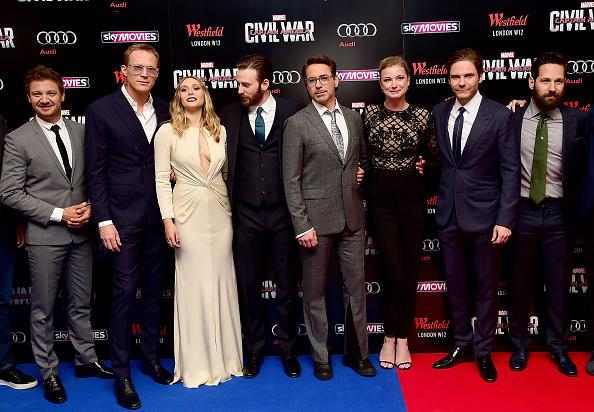 Jeremy Renner, Paul Bettany, Elizabeth Olsen, Chris Evans, Robert Downey Jr, Emily VanCamp, Daniel Bruhl y Paul Rudd.