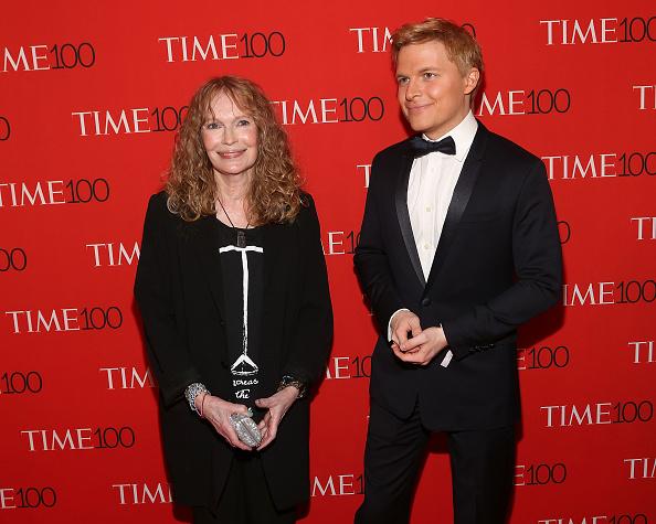 Mia Farrow y Ronan Farrow