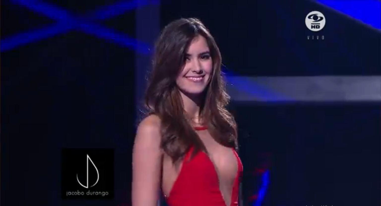 Paulina Vega8