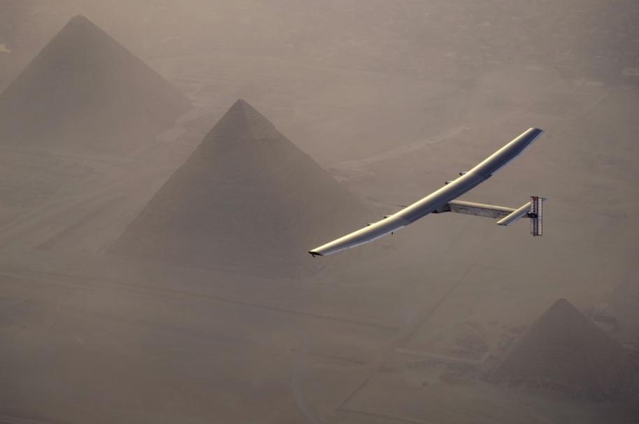 Avión solar Impulse 2, en Egipto.