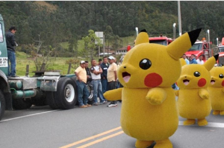 Paro camionero obstruye paso de pokémones - Pulzo.com