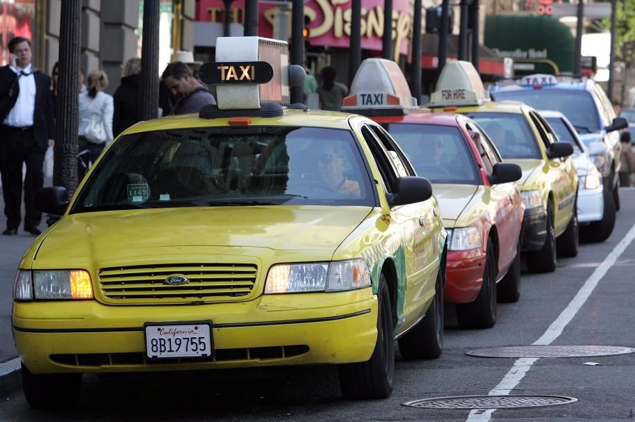 Taxis parqueados - pulzo.com