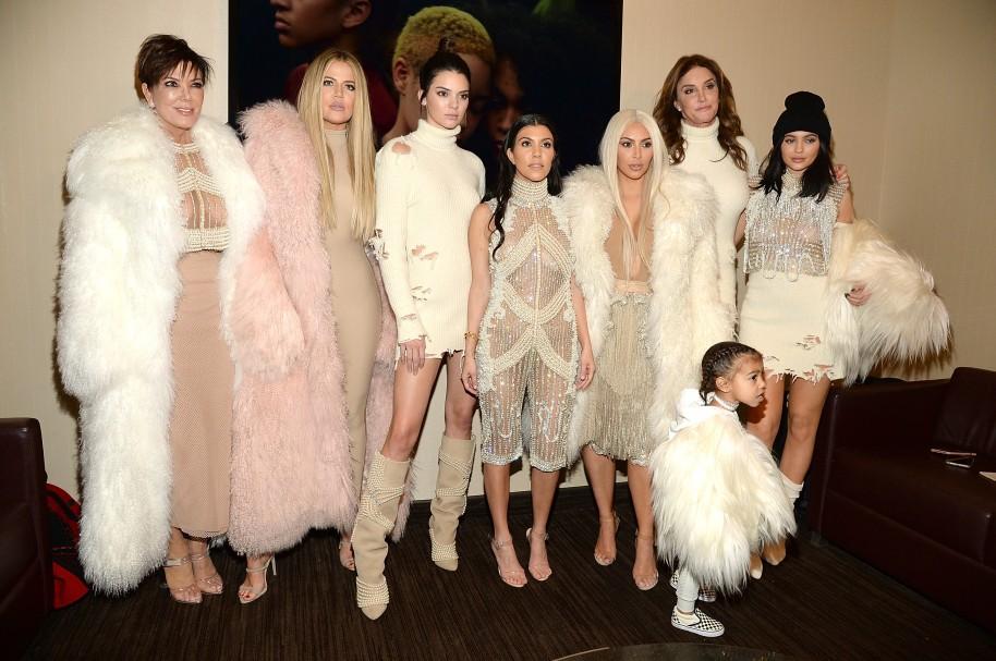 Kim, Khloé y Kourtney Kardashian. Caitlyn, Kendall, Kris y Kylie Jenner. North West Kardashian