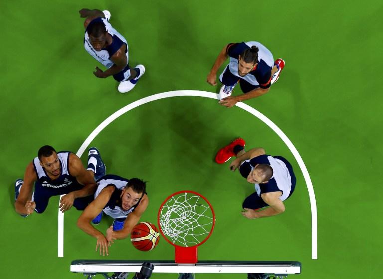 Los basquetbolistas de Francia entrenan para los Juegos Olímpicos Río 2016.