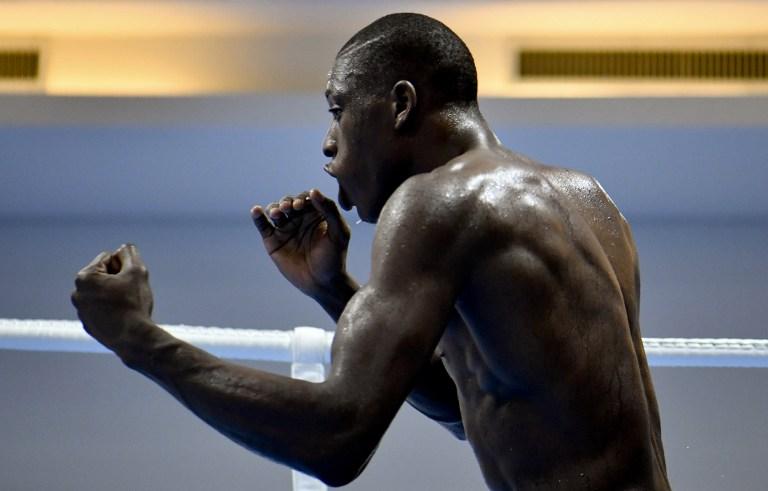 Un boxeador español entrena para los Juegos Olímpicos Río 2016.
