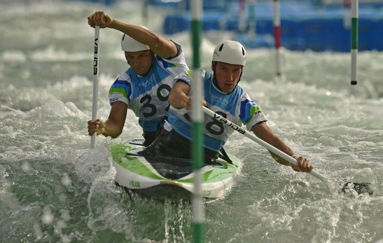 Canoeros eslovenos entrenan para los Juegos Olímpicos Río 2016.