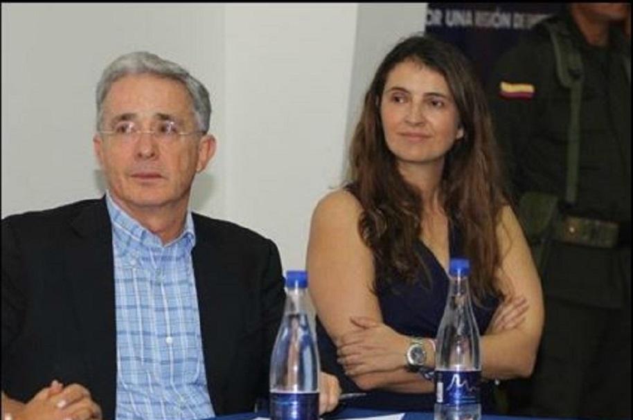 Álvaro Uribe y Paloma Valencia