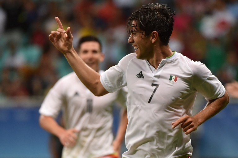 El mexicano Rodolfo Pizarro celebra gol que le marcó a Alemania. Pulzo.com