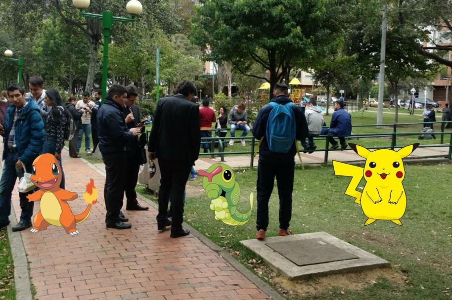 Bogotanos Se Enloquecieron Jugando Pokemon Go En Parque El Virrey