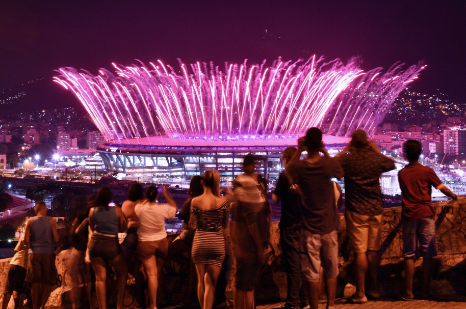 OLY-2016-RIO-OPENING-OUTSIDE