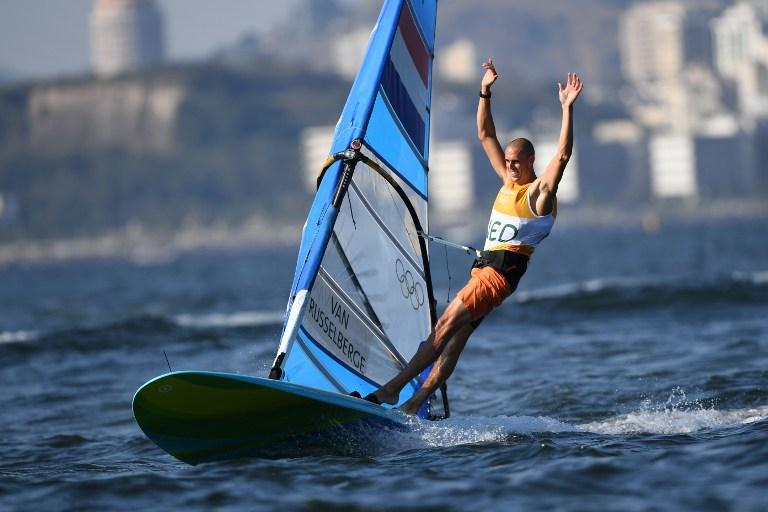 Dorian Van Rijsselberge, de Países Bajos, ganó la carrera final de vela. Pulzo.com