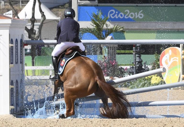 Equitador no puso saltar un obstáculo. Pulzo.com