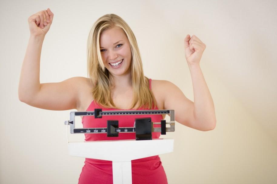 Mujer tomándose el peso