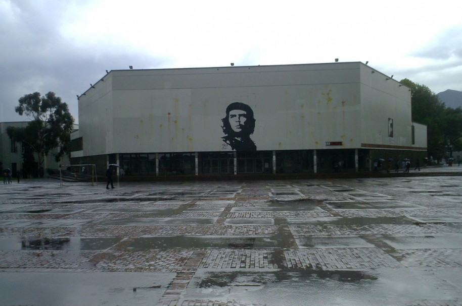 Plaza Che