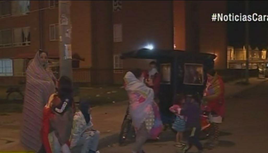Los residentes de Kennedy sacaron a los niños a la calle