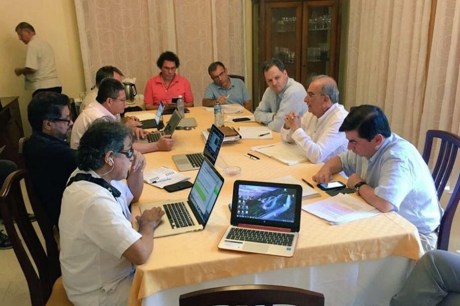 Negociadores en La Habana