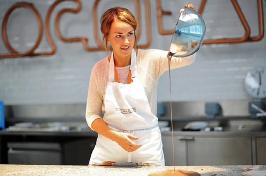 Hayleigh Curtis, catadora de chocolate