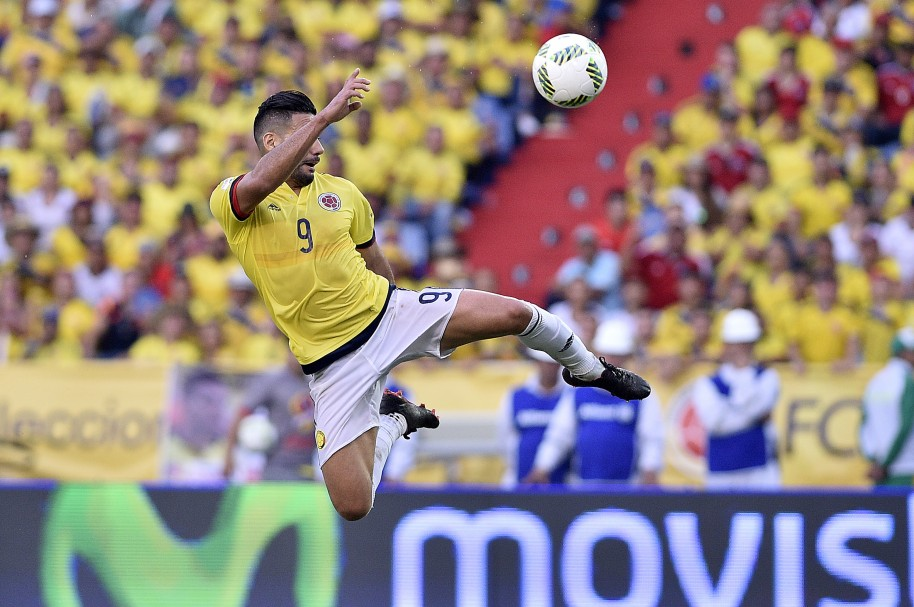 Colombia v Chile