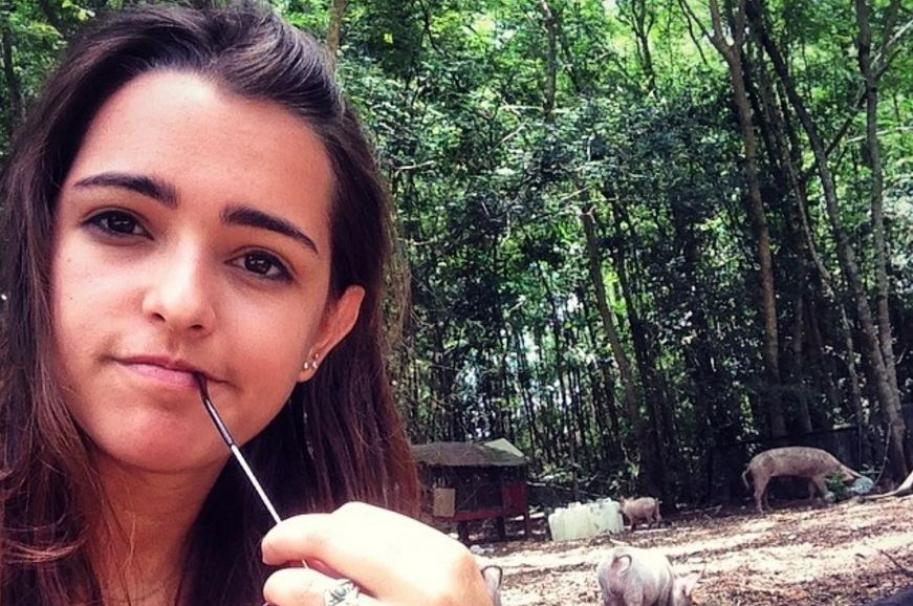 Lucy Vives, hija del cantante Carlos Vives.