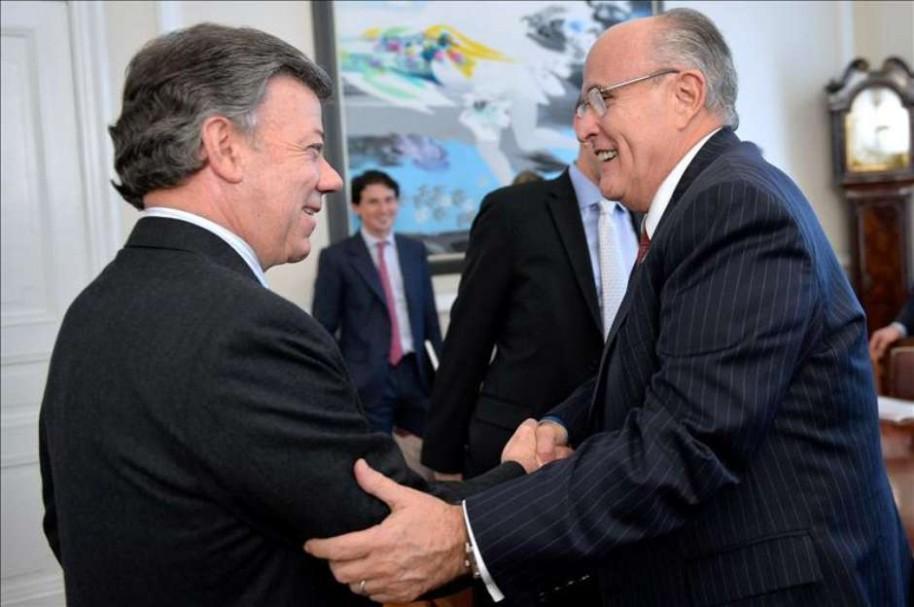 Santos y Rudolph Giuliani