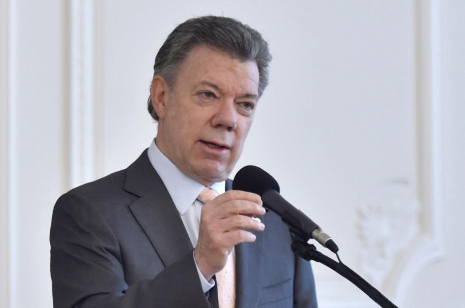 Santos advierte peligro para el proceso de paz