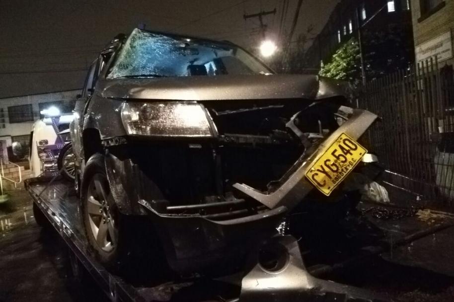 Carro diplomático involucrado en el accidente.