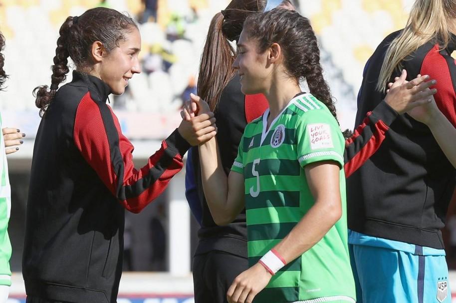 Sabrina y Mónica Flores