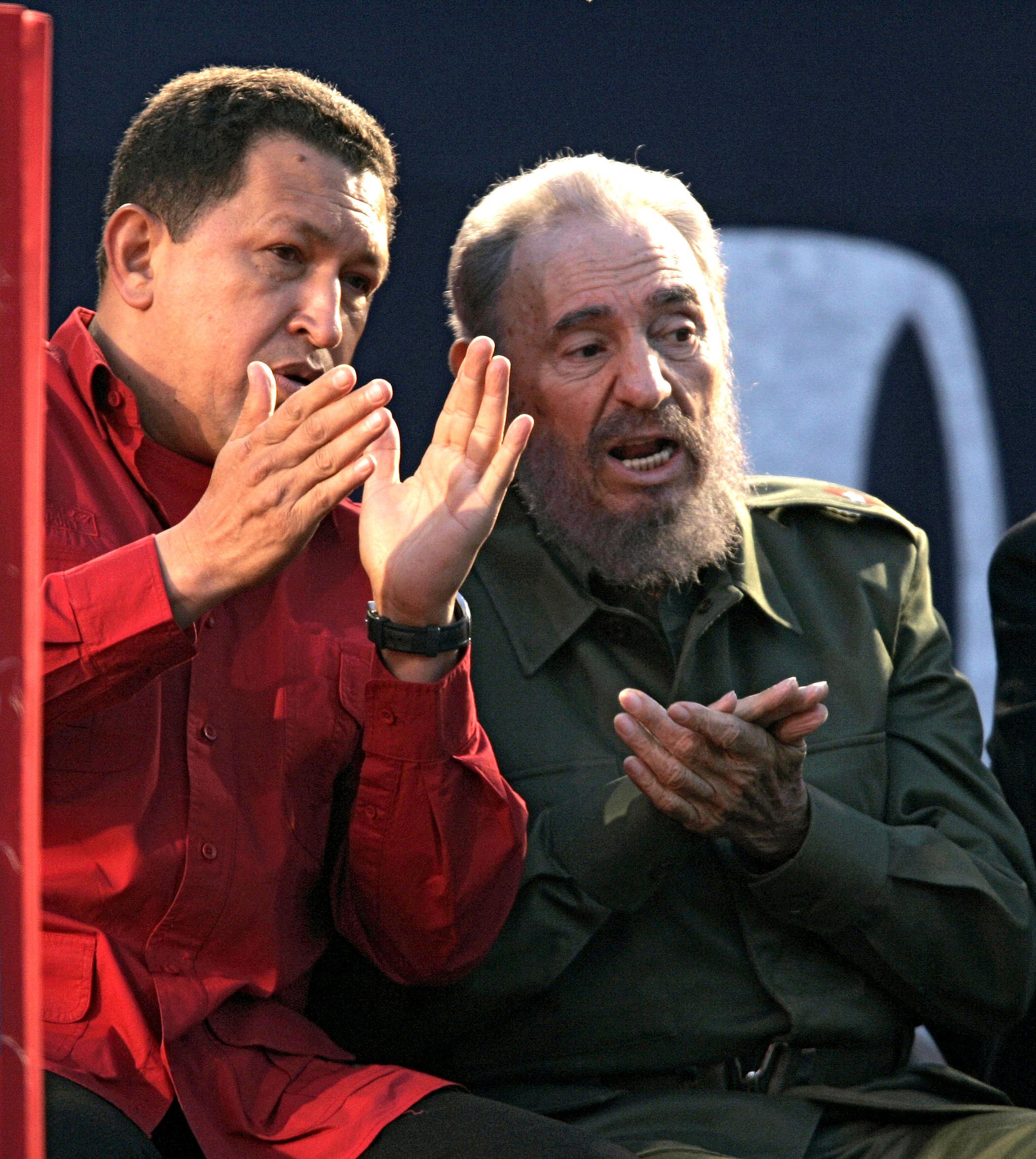 Hugo Chávez y Fidel Castro, en 2006