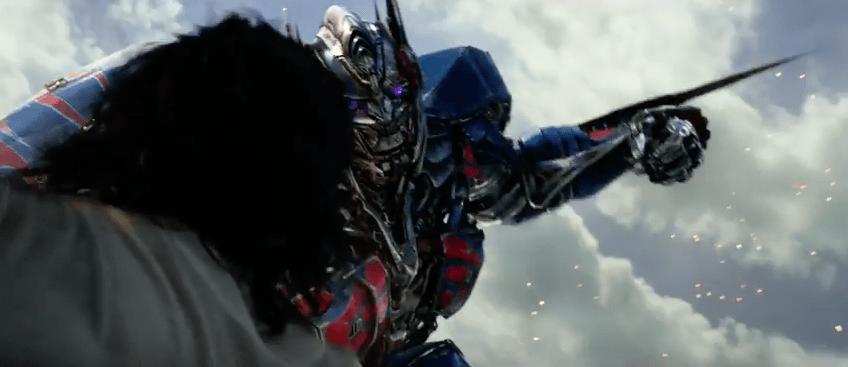 Escena de tráiler de 'Transformers: The Last Knight'.