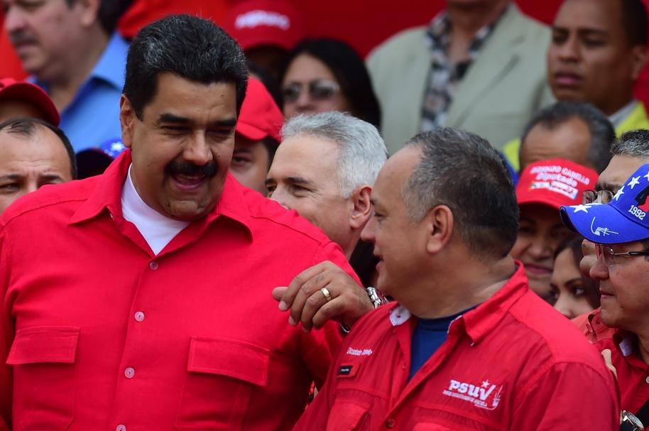 Disodado Cabello y Nicolás Maduro