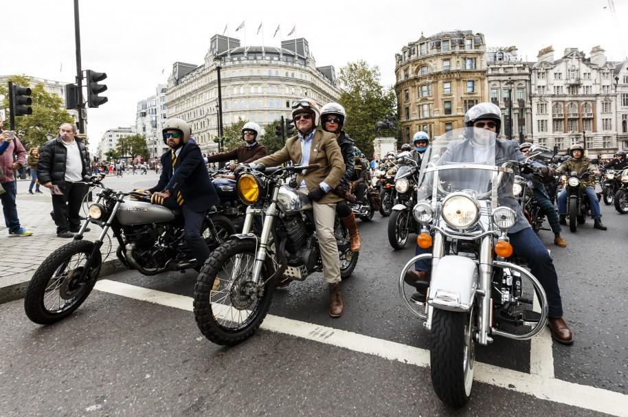 Grupo de motociclistas - pulzo.com