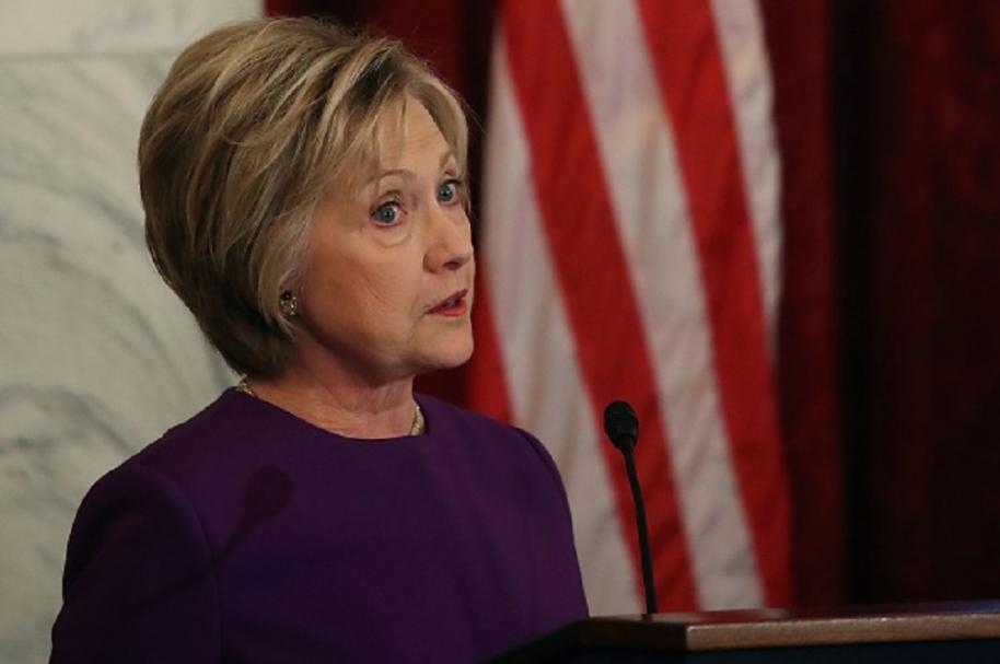 Hillary Clinton aseguró que las noticias falsas son un peligro para el mundo