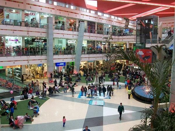 Centros comerciales tendrán horario extendido