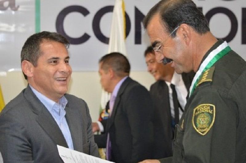 Carlos Ferro y el general Rodolfo Palomino