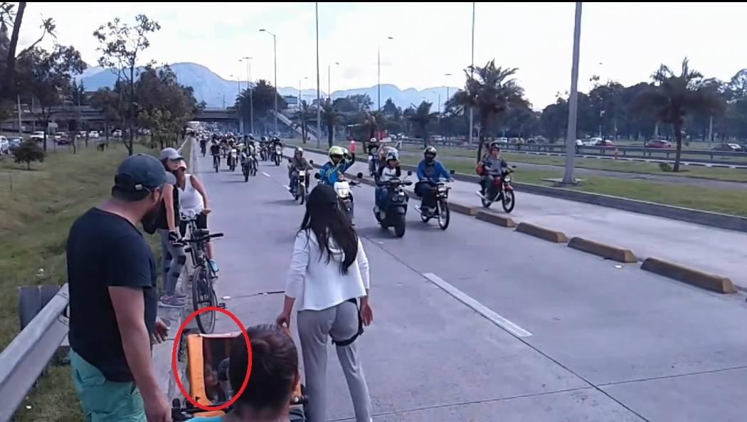 Motos en Ciclovía