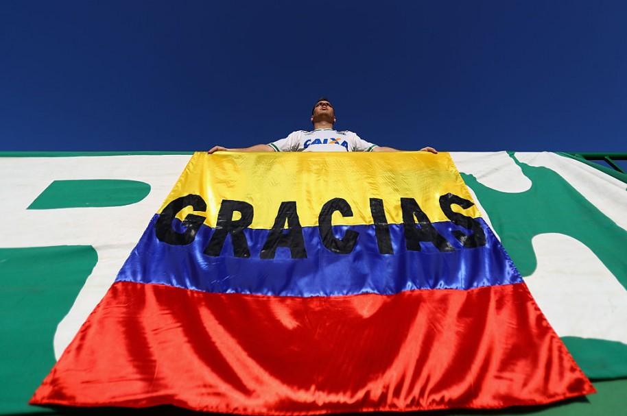Aficionado Brasil agradece a Colombia