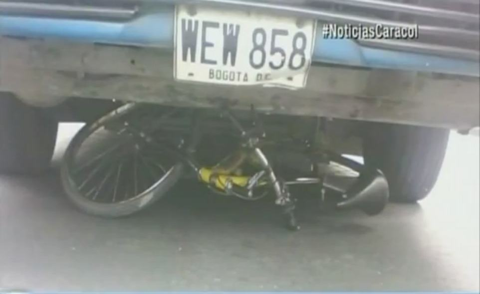 Bicicleta y bus involucrado