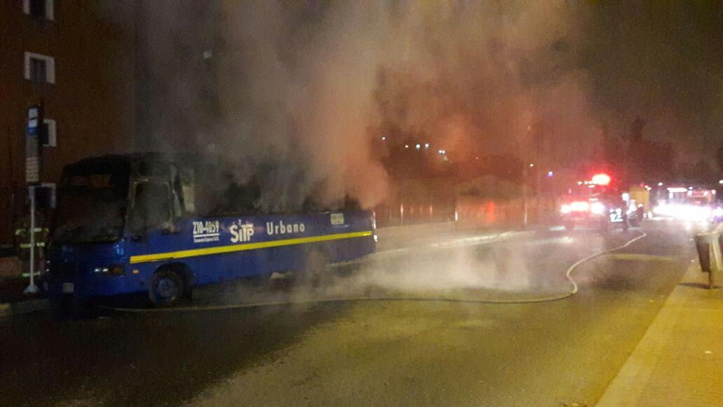 Bus del SITP incendiado