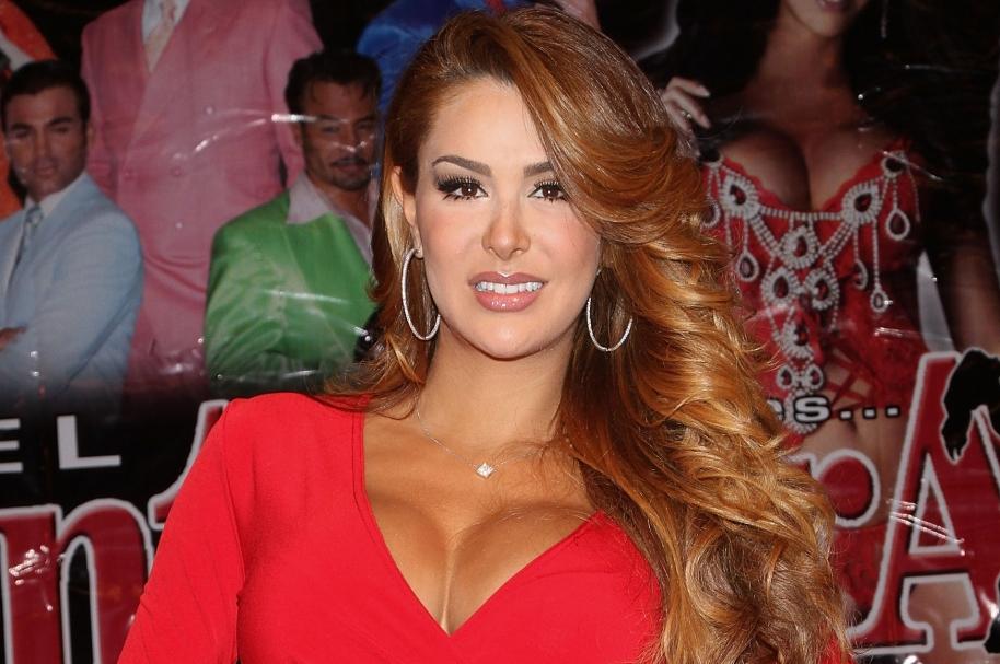 Ninel Conde, actriz mexicana, recordada por su papel de Alma Rey en la serie 'Rebelde'.