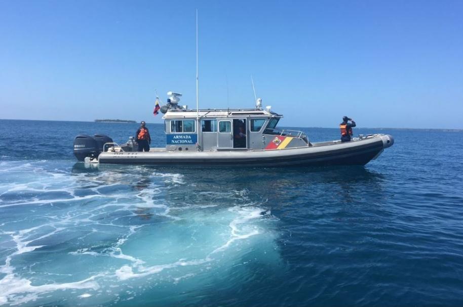 Armada Nacional de Colombia buscando a turista ecuatoriana en Islas del Rosario.