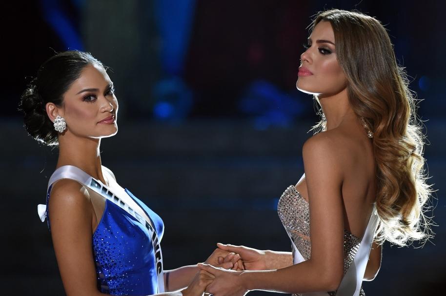 Pia Worzbac, Miss Universo, y Ariadna Gutiérrez