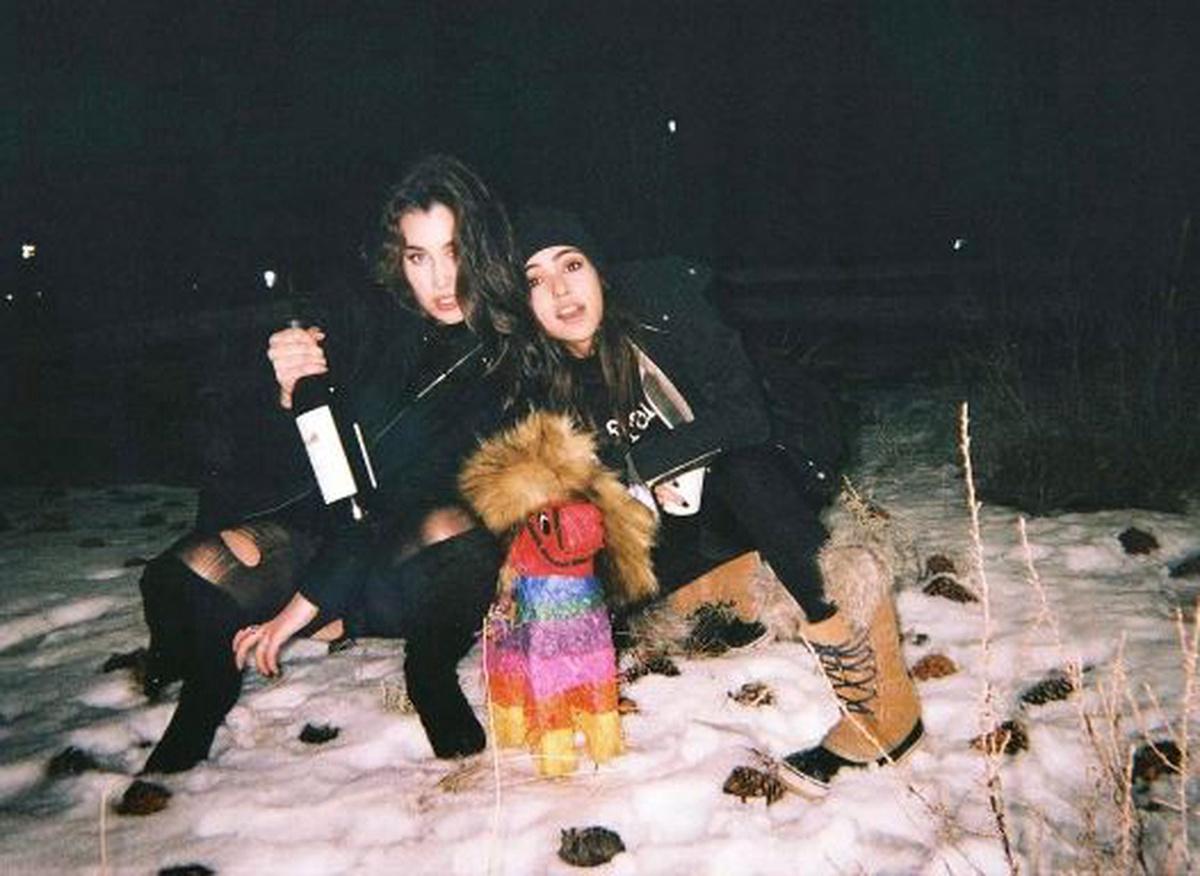 Lauren Jauregui y Lucy Vives