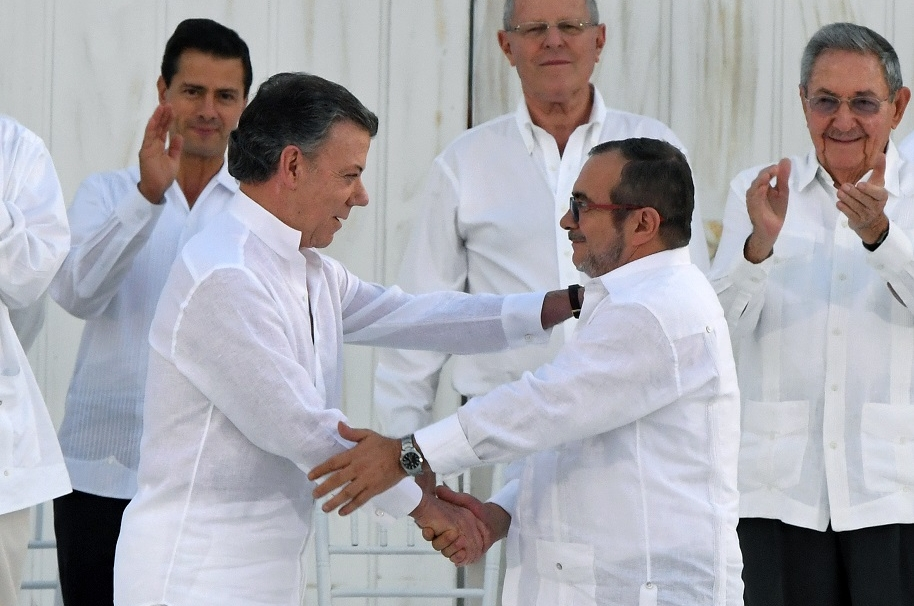 Santos y 'Timochenko'