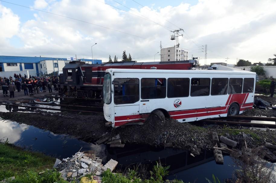 Fotografía de archivo de un autobús accidentado (imagen de referencia))