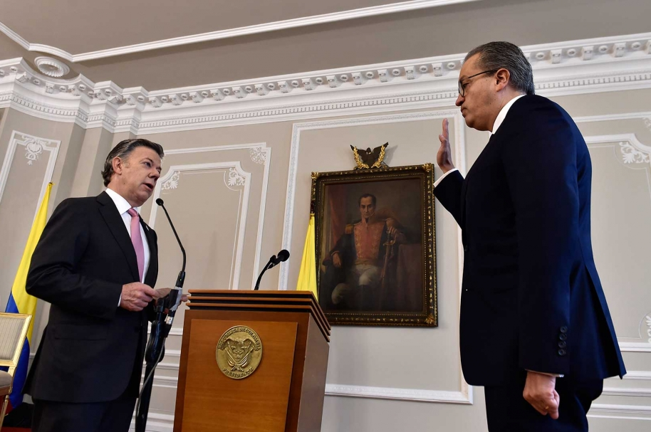 Juan Manuel Santos y Fernando Carrillo
