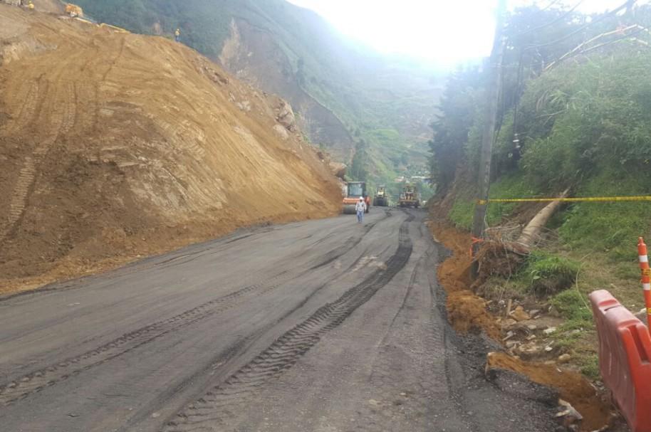 Obras en la autopista Medellín Bogotá