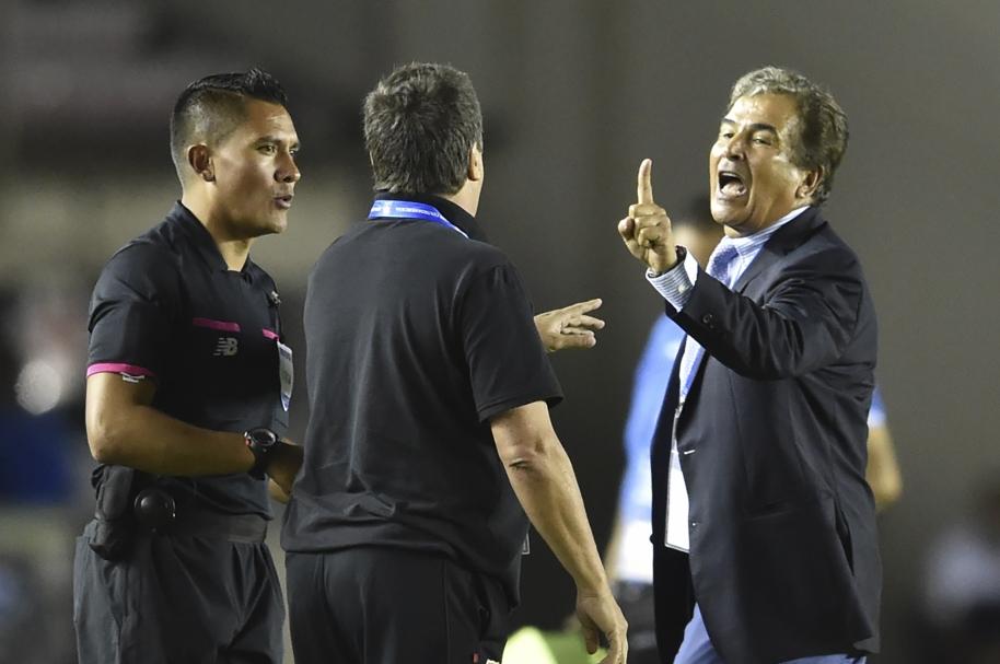 Jorge Luis Pinto y Hernán Darío Gómez se enfrentaron al final del partido