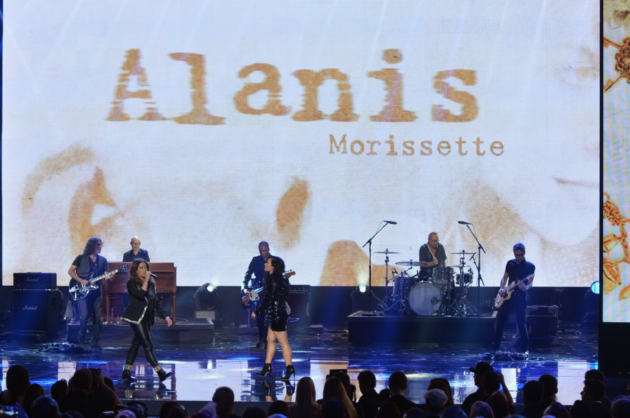 Alanis Morissette, durante los American Music Awards 2015