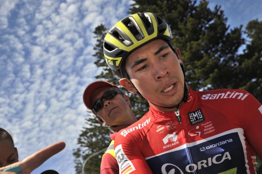 Caleb Ewan (der) del Orica ganó la tercera etapa del Tour Down Under