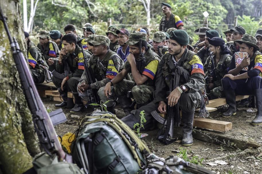 Guerrilleros de las Farc en campamentos